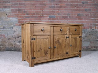 H-amp-F-Plank-3-Drawer-3-Door-Sideboard_800_874_4T819.jpg
