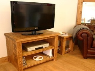 H&F Plank Open TV Unit