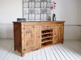 Sideboard_with_Winerack.jpg