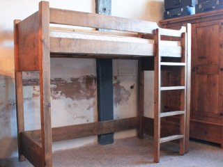 H&F Plank Cabin Bed