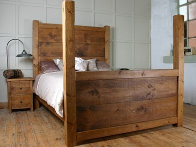 H&F Plank Chunky 4 Poster Bed